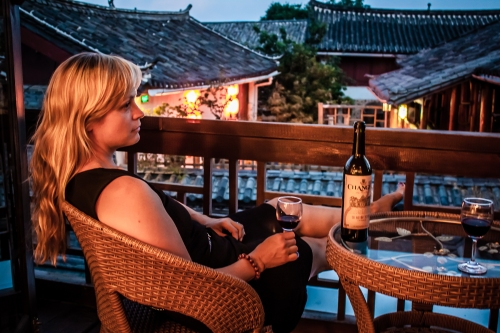 Drinking Changyu in Lijiang