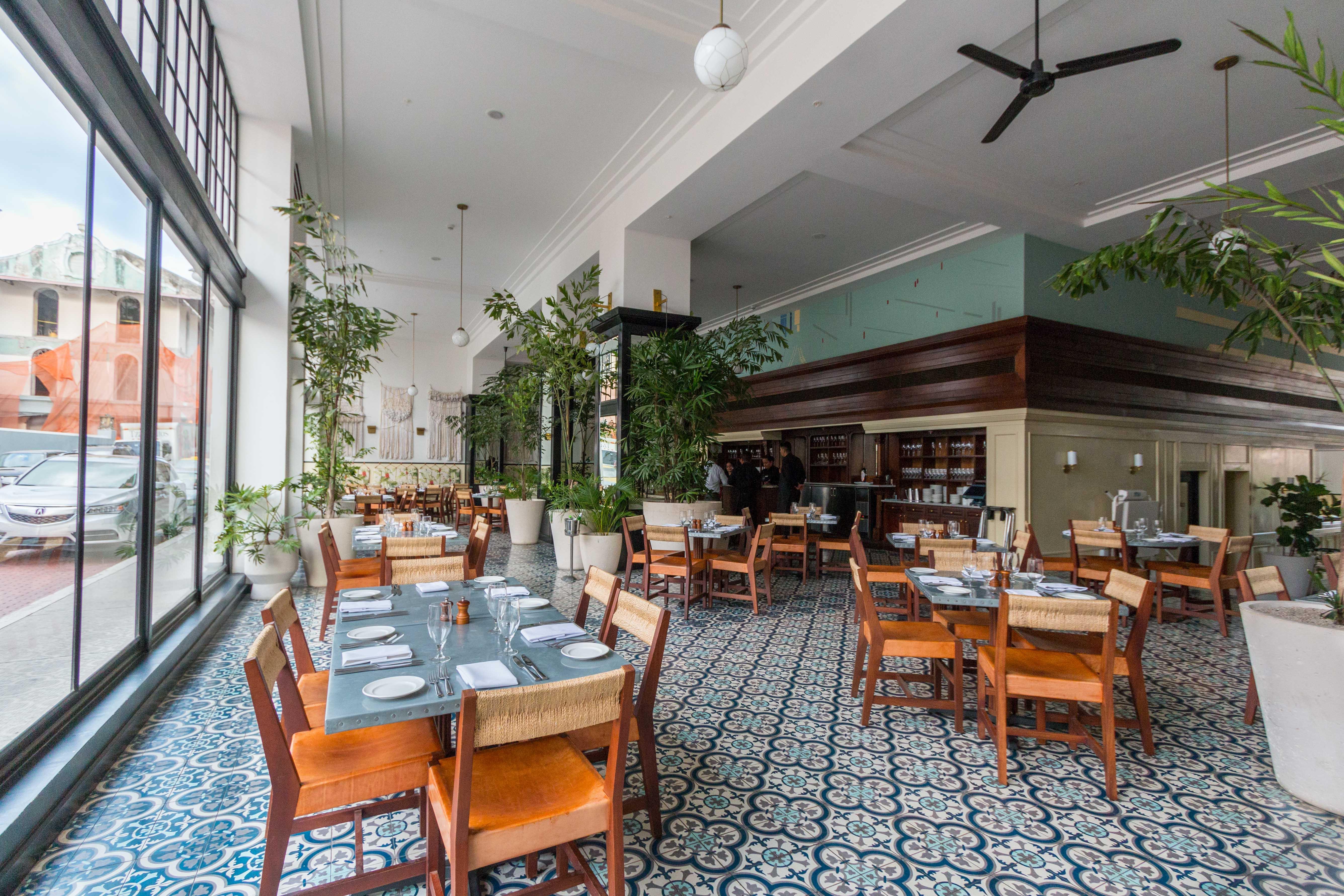 Dining Room Bar Lobby At American Trade Hotel