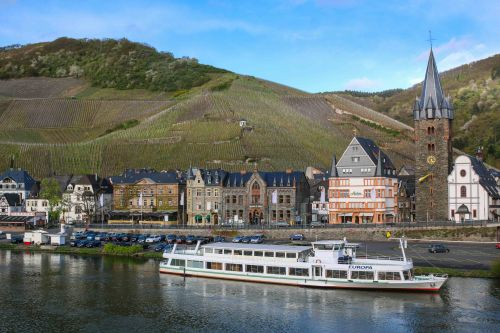 Mosel Valley in April. (Photo by Lauren Mowery)