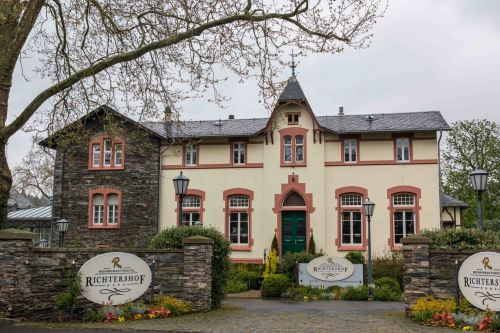 Weinromantik Hotel in Mosel Valley.